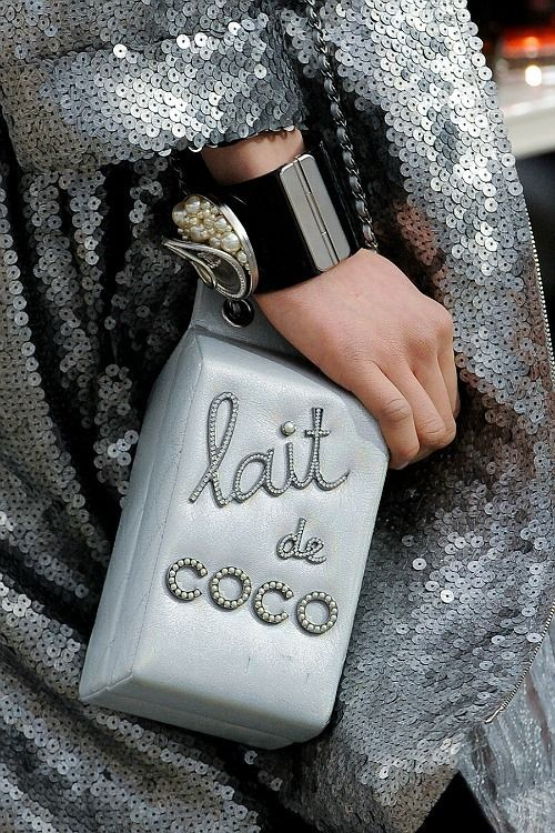 inspirations-fall-mood-grey-chanel-coco-theworldofbergere
