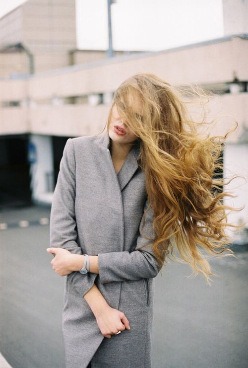 inspirations-fall-mood-grey-coat-fashion-theworldofbergere