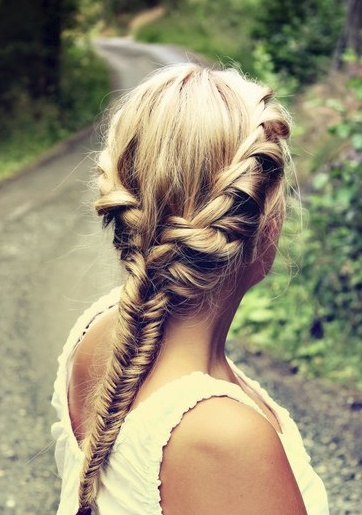 inspiration_hairstyle_fishtail_2_theworldofbergere
