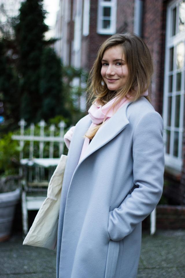 the-world-of-bergere-grey-coat-vanilia-amsterdam